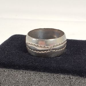 Men's Sterling Silver Etched Ring 10